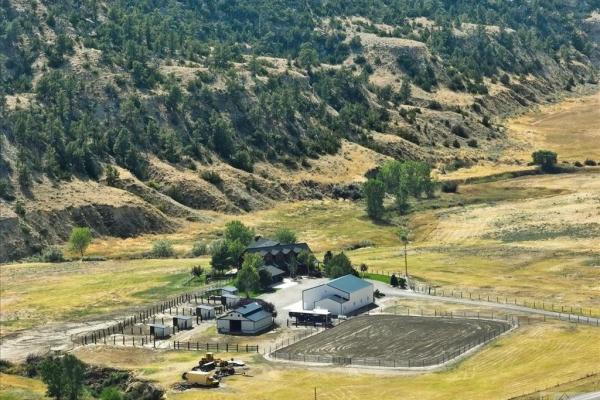 1044 Buffalo Trail